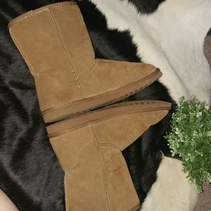 saucy moonchild fashion house Shoes - 🍁Chestnut 🌰 leather 'UGG' faux fur boots